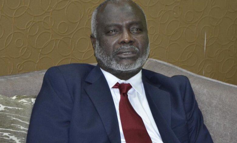 صورة السودان: جبريل: لو سقطت هذه الحكومة فلا مَخرج للحكومة القادمة سوى هذه الإصلاحات أو تسقطوها هي الأخرى