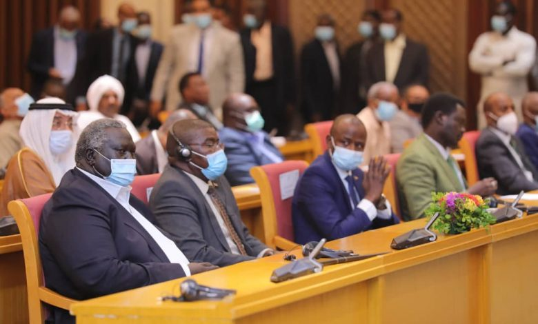 صورة السودان: ظهور لافت للسفير السعودي في حفل توقيع الترويكا